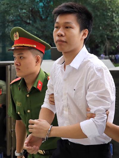 Việt kiều Mỹ bị tuyên 12 năm tù Attachment