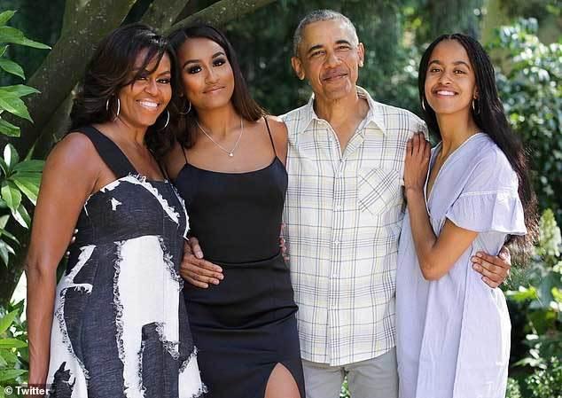 Ái nữ của Obama trổ mả Attachment