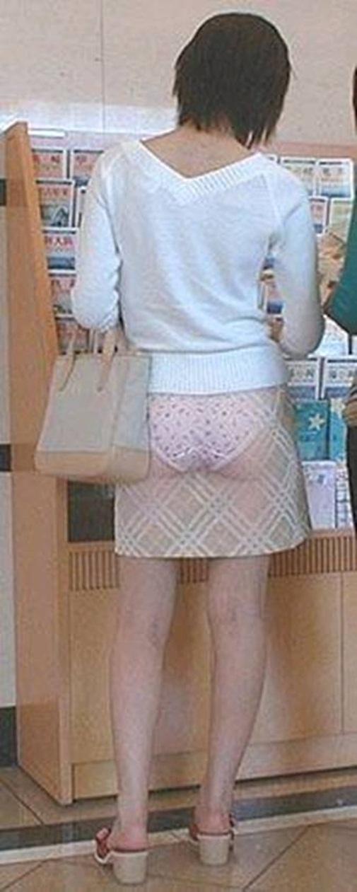 трусики просвечиващие через одежду фото
