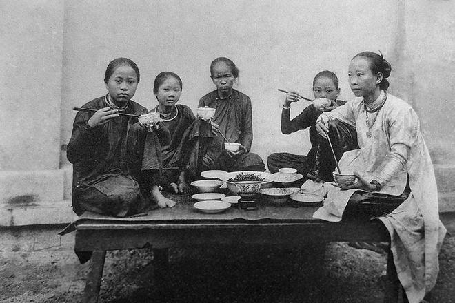 Sài Gòn trước 75 phụ nữ mặc gì?