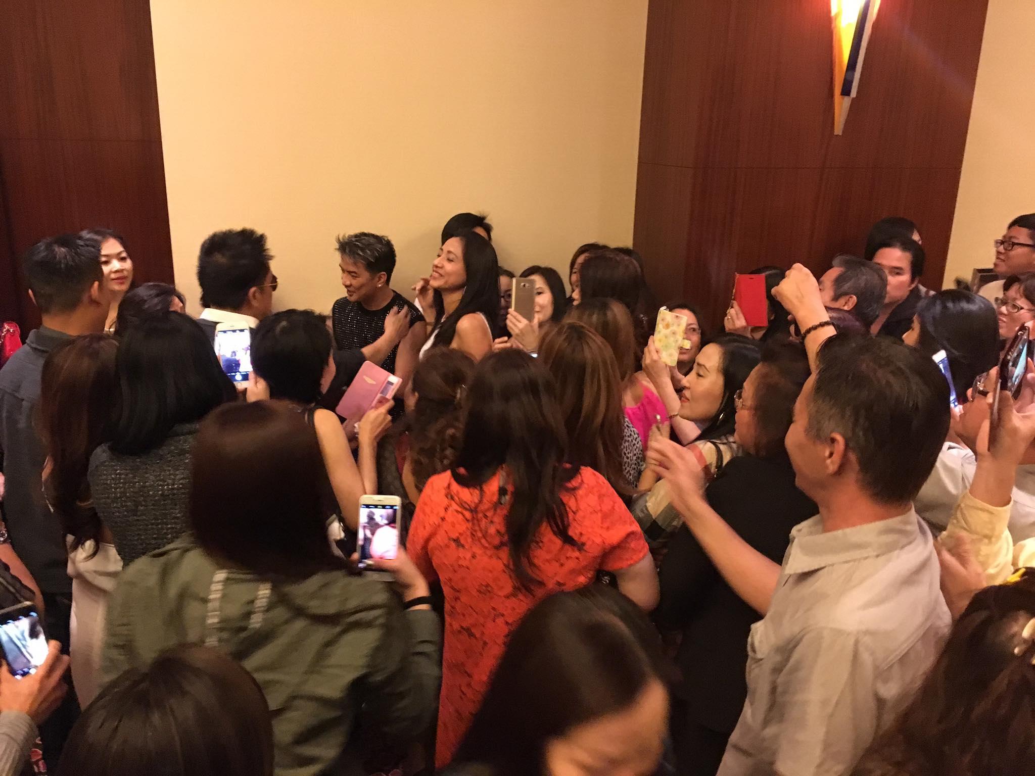 Đàm Vĩnh Hưng không sợ Lý Tống, fan Việt Kiều Mỹ vây kín hội trường