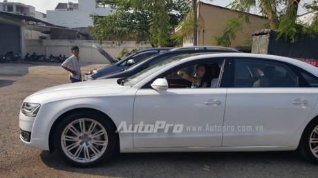 Choáng Thủy Tiên lái xe gần 5 tỷ Audi A8L 2016