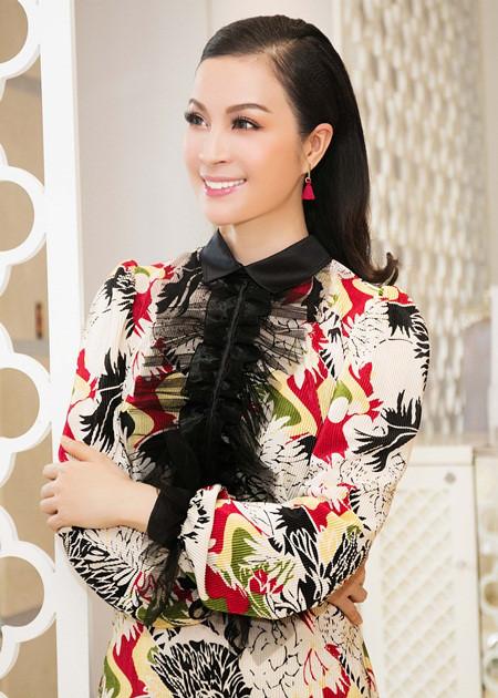 Thanh Thảo đi tút lại nhan sắc ở thẩm mỹ viện của MC Thanh Mai