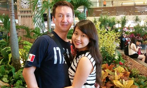 Lấy được chồng Canada cô gái Cần Thơ mong mỏi đón cha mẹ sang phụng dưỡng