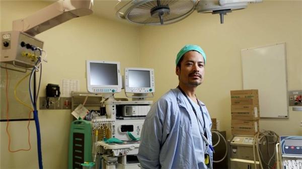 Bác sĩ gốc Việt ở Úc được lên báo