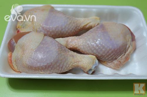 Đùi gà nướng quết nước sốt có vị cay nên làm ngay