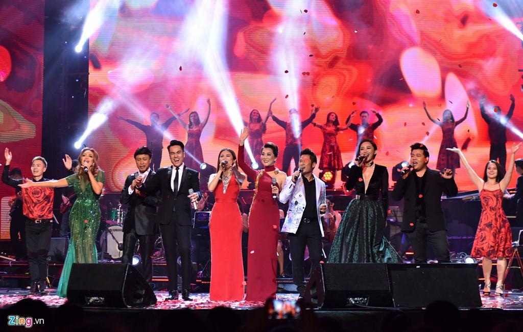 MC Kỳ Duyên, Bằng Kiều, Quang Lê, Thanh Hà, Tuấn Ngọc... in Hanoi