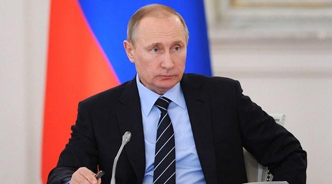 Mỹ lôi Nga làm quân bài thu hút cử tri đi bầu cử