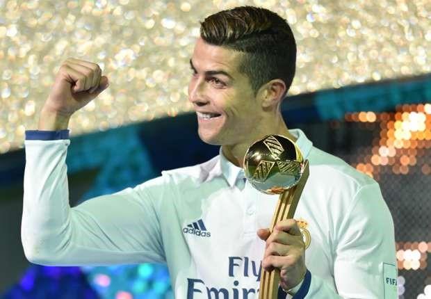 Ronaldo không phải là vua bóng đá mà thực chất là vua mạng xã hội