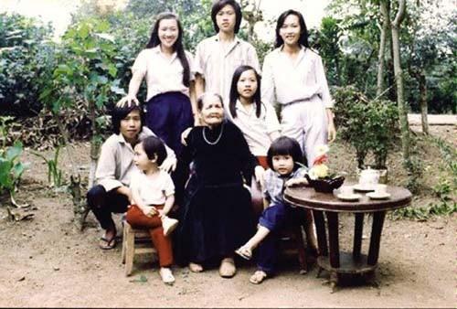 Hoài Linh bị vợ tố ngoại tình, có con riêng 2 tuổi.