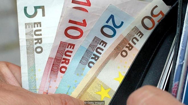 Đừng tưởng cứ đi nước ngoài là giàu, làm việc ở nước ngoài chẳng khác gì đang đánh một canh bạc cả.