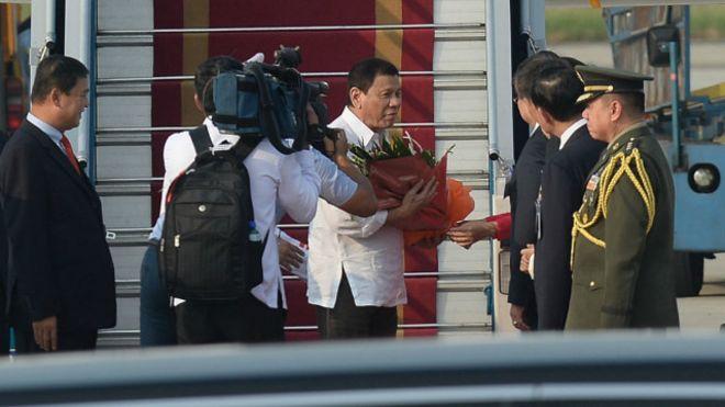 Dân Hà Nội ngỡ ngàng khi các tổng thống sau khi đến thăm thi nhau 'ca ngợi Hà Nội'