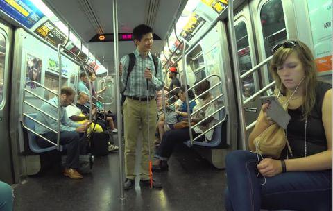 Phục chàng trai phi thường bị mù mà vẫn được làm việc tại Google