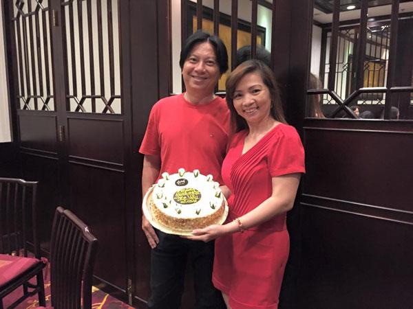 Lộ diện bố mẹ chồng trẻ đẹp giàu có của Khánh Thi